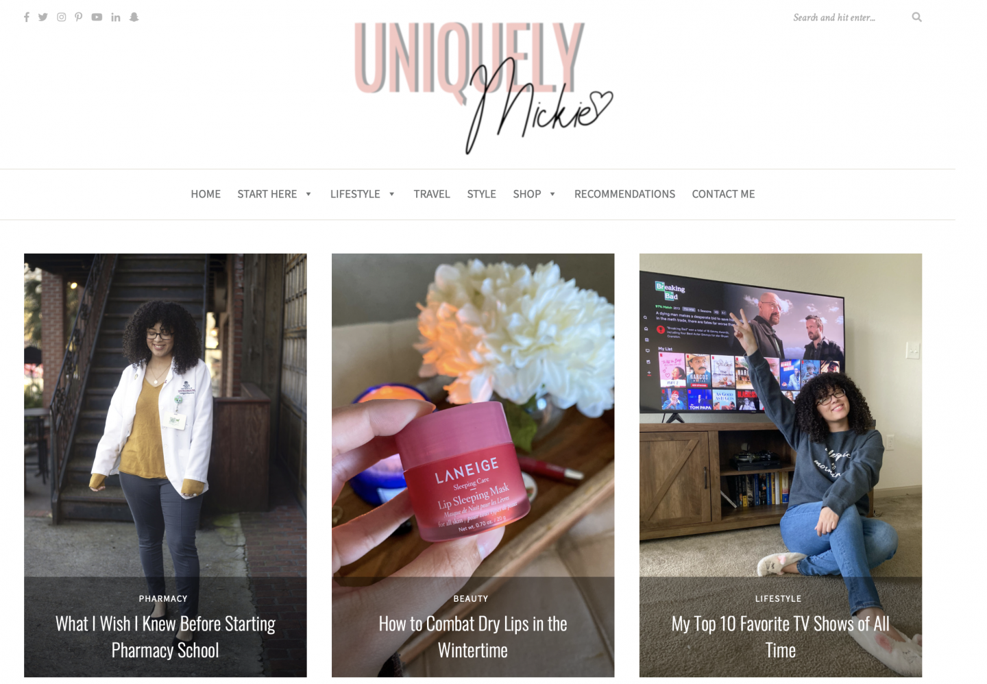 Home page of Uniquely Mickie college blog